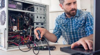 Maintenance des systèmes informatiques